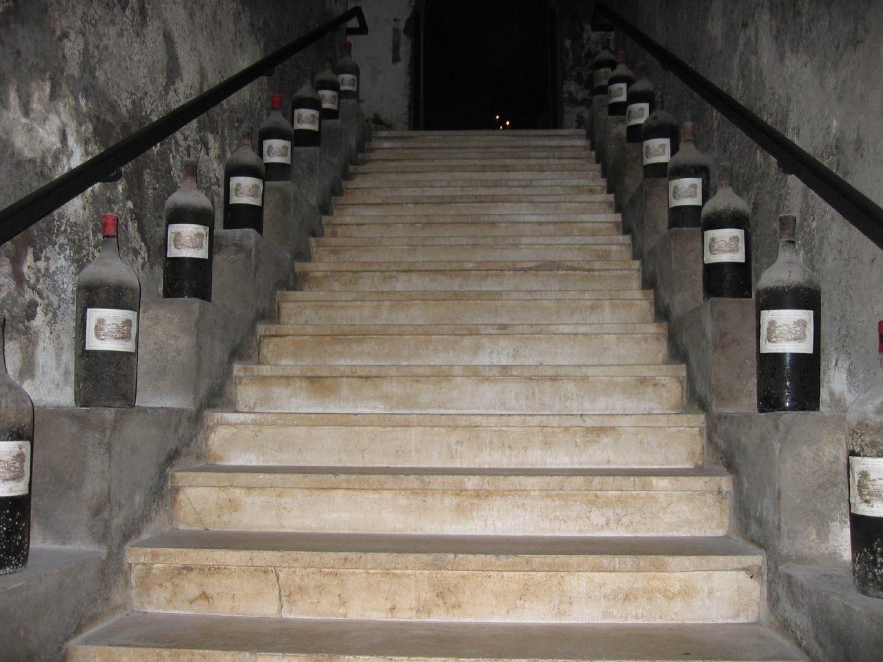 Ступени маршевой лестницы.